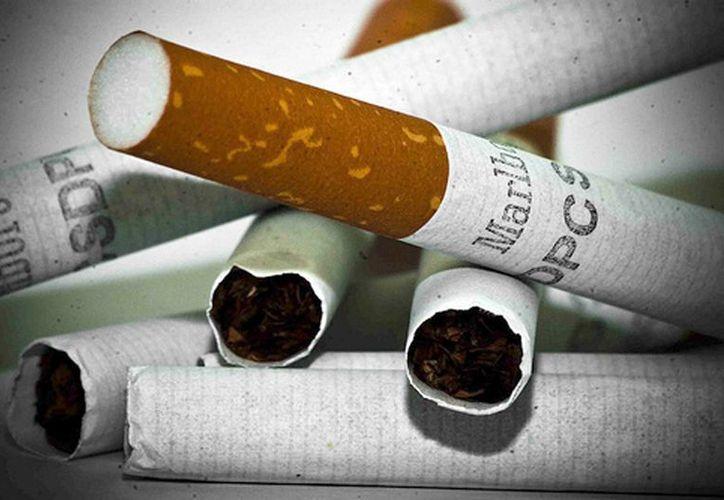 Mientras que una cajetilla de tabaco cuesta en el país suramericano en torno a 80 pesos (3.29 dólares), en el mercado ilegal se puede obtener por alrededor de 25 pesos (1.03 dólares). (Archivo/EFE)