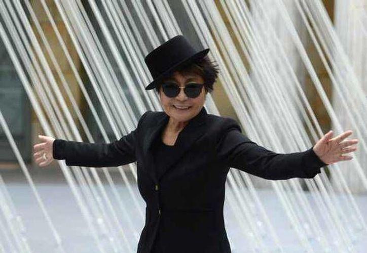 Yoko Ono ha destacado por su labor artística. (Agencias)