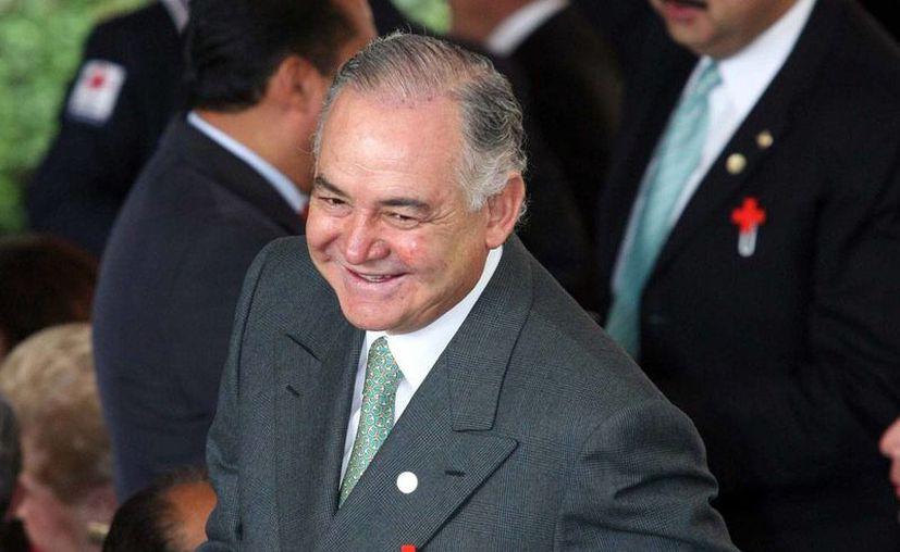 Solo falta que el Tribunal Federal notifique formalmente a la PGR sobre la absolución de Raúl Salinas por enriquecimiento ilícito. (proceso.com.mx)