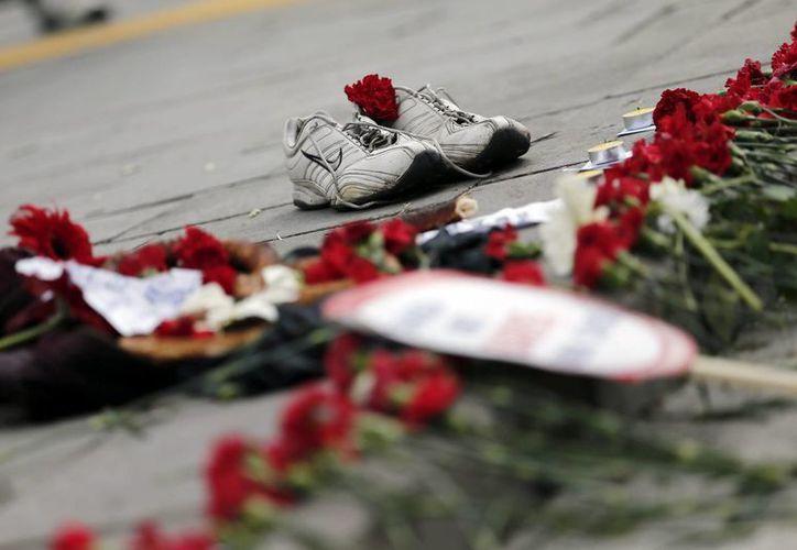 La Fiscalía turca indicó que se ha identificado a 101 de las víctimas del atentado ocurrido durante una marcha por la paz en la capital, Ankara. (EFE)