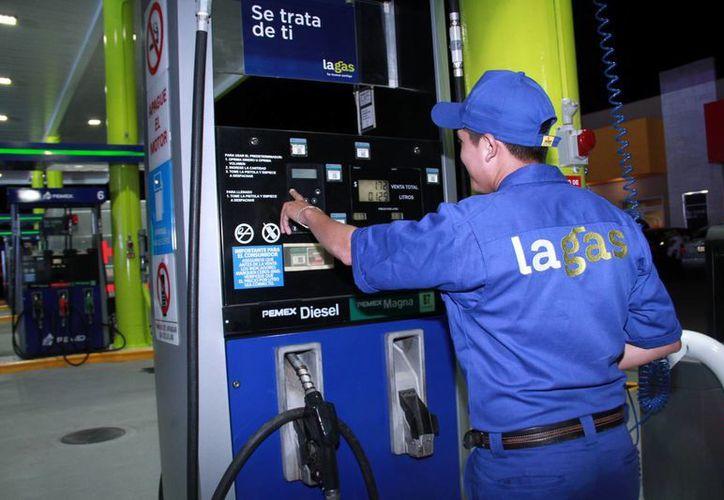 Una nueva marca de gasolina arranca con dos estaciones de servicio que inician operaciones en el centro de la ciudad de Campeche y el Periférico Norte de Mérida. (Milenio Novedades)