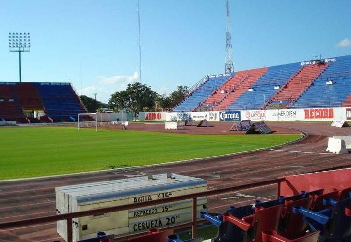 El evento estaba pactado a realizarse en el Estadio Olímpico Andrés Quintana Roo, pero por un partico del Atlante, tuvo que ser cambiado. (Foto/Internet)