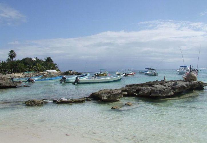 Prestadores de servicios acuáticos piden que se sancione a las embarcaciones que operan al margen de la ley.  (Rossy López/SIPSE)