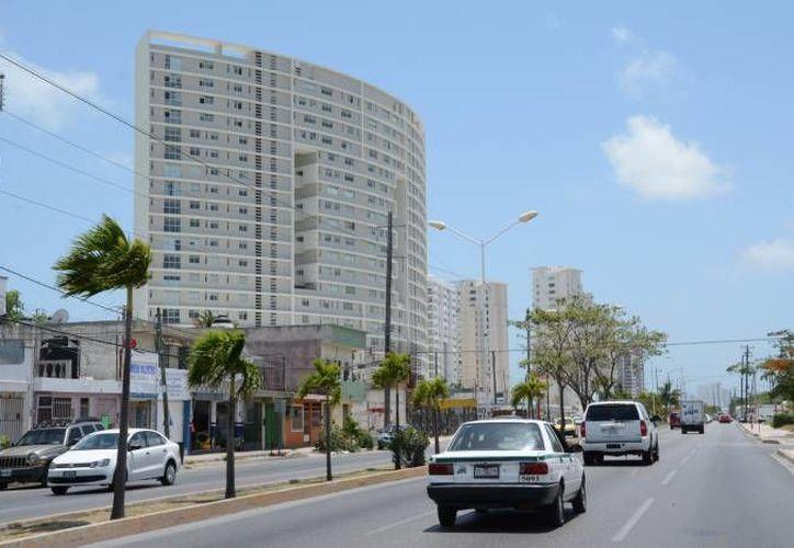 La oferta inmobiliaria será recabada en el 'libro verde' para después vaciar la información en el software. (Redacción/SIPSE)