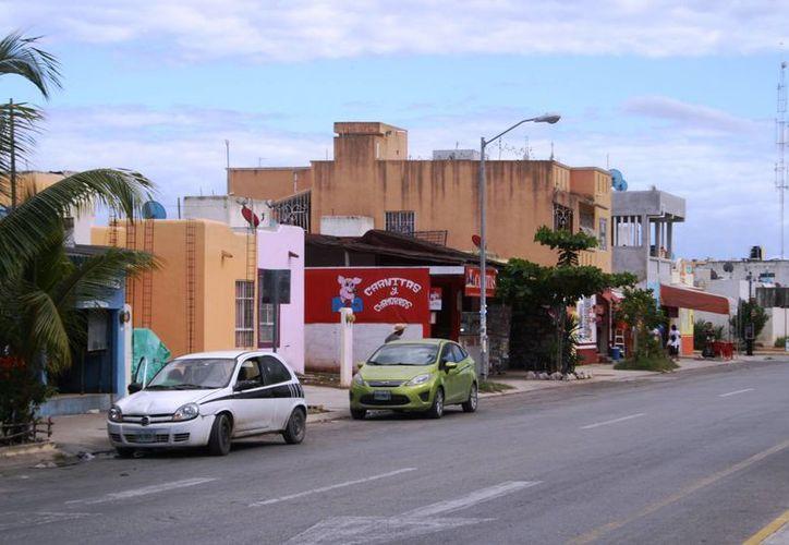 El ayuntamiento pretende regularizar a los negocios ubicados en zonas con uso de suelo habitacional. (Adrián Barreto/SIPSE)