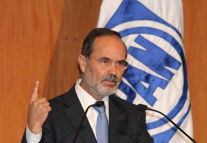El líder panista, Gustavo Madero, indicó que los ciudadanos reconocen al partido por su responsabilidad. (Notimex)