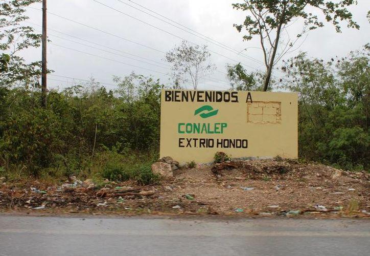 El proyecto de construcción del plantel se mantiene detenido; aún no tiene fecha de inauguración. (Edgardo Rodríguez/SIPSE)