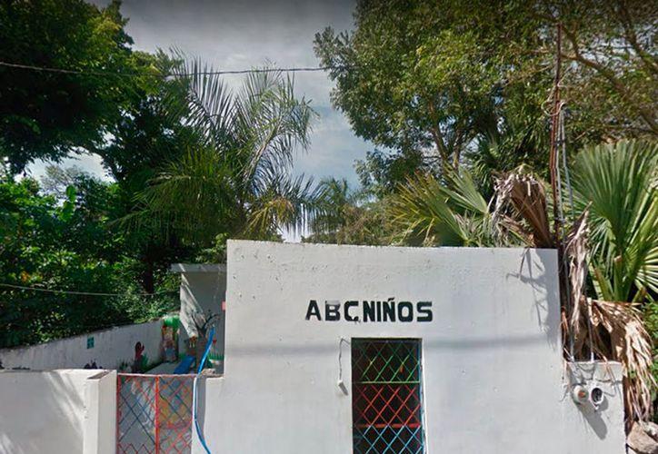 """La estancia infantil """"ABC Niños"""", en el Centro de Motul, fue """"visitada"""" por """"amantes de lo ajeno"""". Es la séptima vez que roban y las autoridades no han resuelto ni siquiera el primer caso. (Google Street View)"""