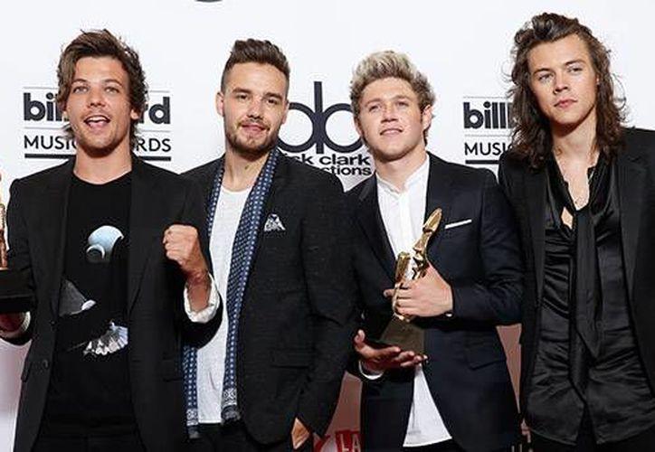 One Direction durante su presentación en los Billboard Music Awards en mayo pasado. El grupo británico se presentará el 26 de noviembre en los Premios Telehit, en el Foro Sol de la Ciudad de México. (Archivo AP)