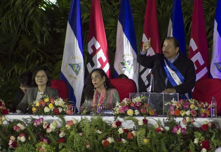 La toma de protesta de Daniel Ortega se realizó en la Plaza de la Revolución de Managua. (AP/Miguel Alvarez)