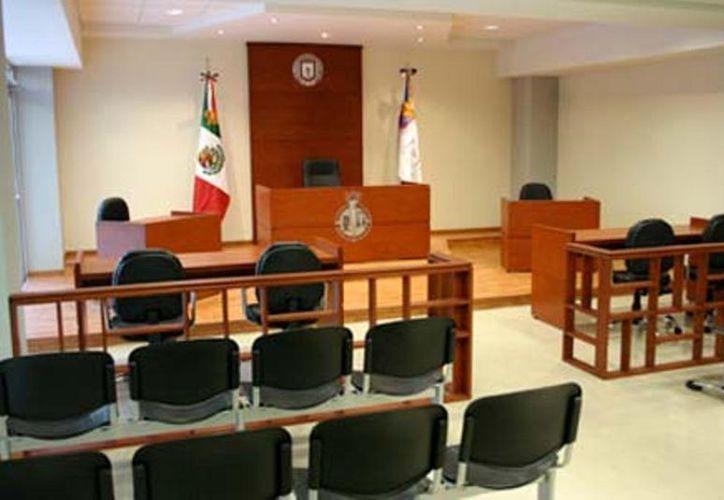 En Quintana Roo el sistema de juicios orales entrará en función a partir de octubre del próximo año, por lo cual se está capacitando al personal necesario. (Ernesto Neveu/SIPSE)