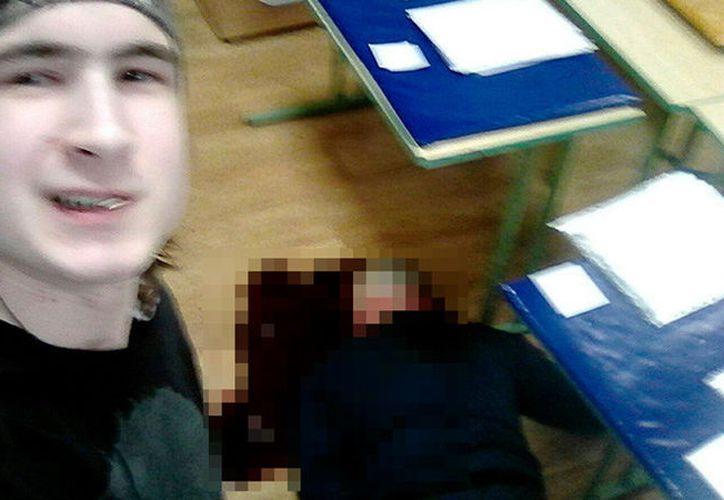 Tras cometer el asesinato, el joven publicó varias fotos en la red social rusa VK (Foto: RT)