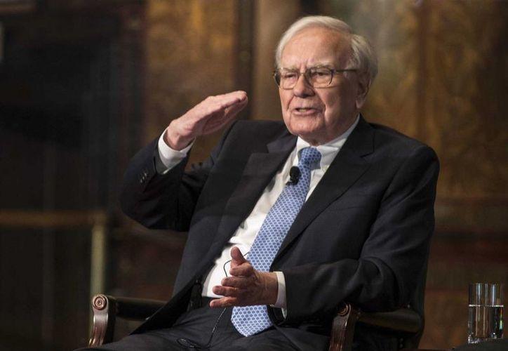 Warren Buffett: Los pobres no son pobres porque los ricos son ricos.(businessinsider.com)