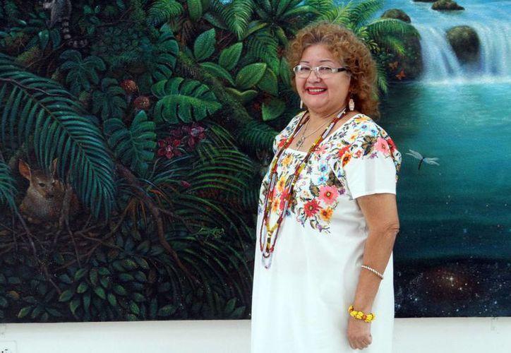 Madeleine Lizama (foto), alias 'Candita' lleva más de 300 obras de teatro regional, heredó a sus nietos el gusto por la dramaturgia. (César González/Milenio Novedades)