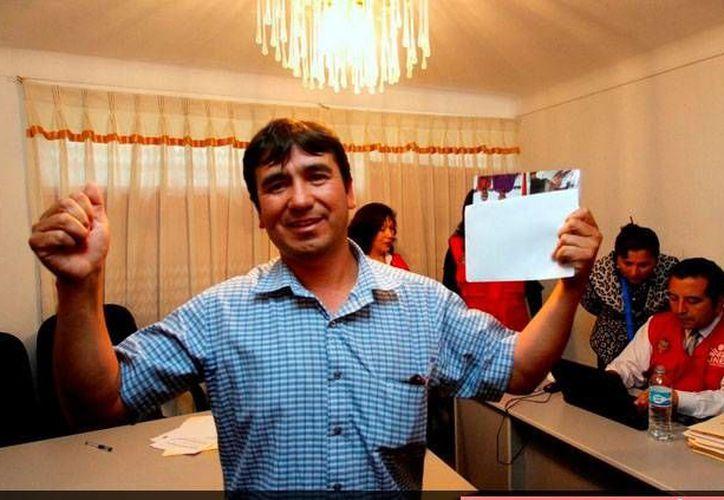 Wilbert Medina, el ganador de la alcaldía de Pillpinto, dijo que continuará las obras que beneficiarán a más ciudadanos y propicien su desarrollo. (Foto: andina.com.pe/Percy Hurtado Santillán)