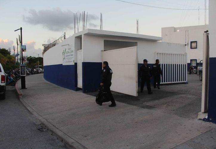 Se vive calma en las instalaciones de la corporación policíaca. (Eric Galindo/SIPSE)