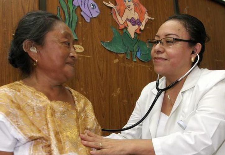 Médicos consideran importante que la población haga conciencia sobre el cuidado de su salud. (Milenio Novedades)