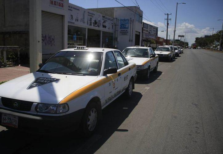 Los taxistas disidentes pretenden destituir al secretario general del Suchaa.  (Harold Alcocer/SIPSE)
