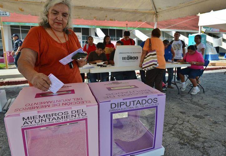 Invitan a la ciudadanía a votar en la isla. (Gustavo Villegas/SIPSE)