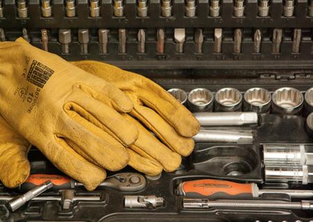¿Cómo prevenir accidentes al utilizar herramientas eléctricas?