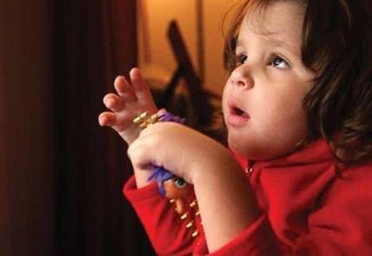 El autismo se tiene de nacimiento y se manifiesta en infantes regularmente entre los 18 meses y tres años de edad. (Redacción/SIPSE)