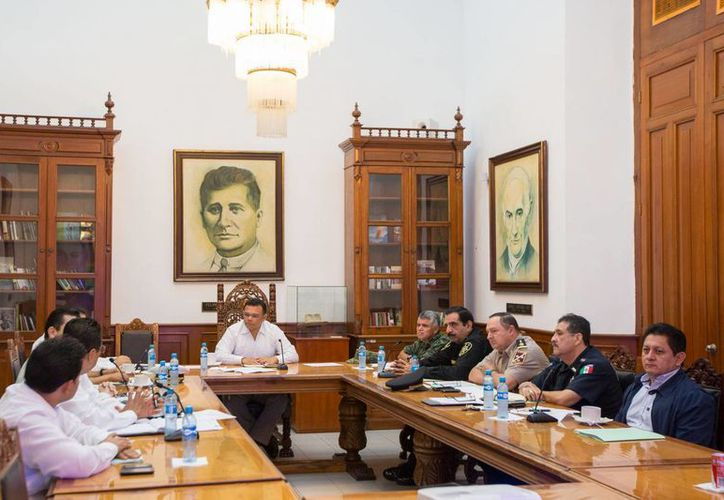 El gobernador Rolando Zapata Bello encabezó la reunión sobre seguridad en Yucatán. (SIPSE)