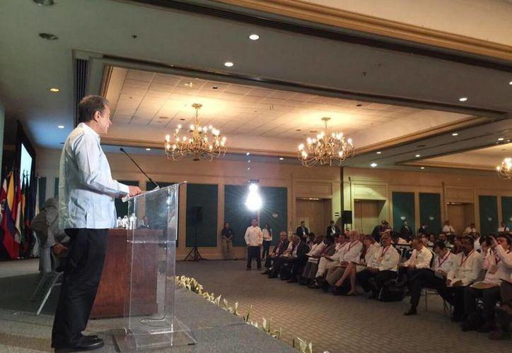 Imagen del secretario de Energía, Pedro Joaquín Coldwell, al dirigir un mensaje en la inauguración de la Segunda Reunión Ministerial de la Alianza para Energía y Clima de las Américas, en Mérida. (@SENER_mx)