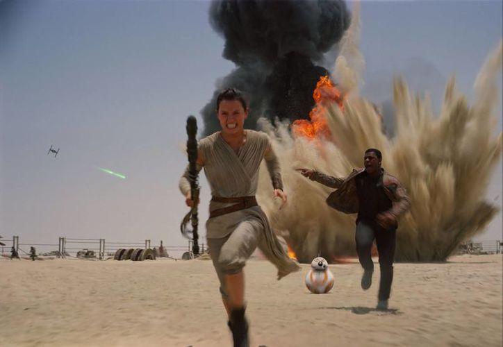 'Star Wars: The Force Awakens' ha generado 740.3 millones de dólares en apenas 19 días de su lanzamiento. (Agencias)