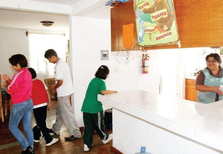 En el DF construyeron 14 casas en las que cada uno de los beneficiados tiene su cuarto. (Milenio)