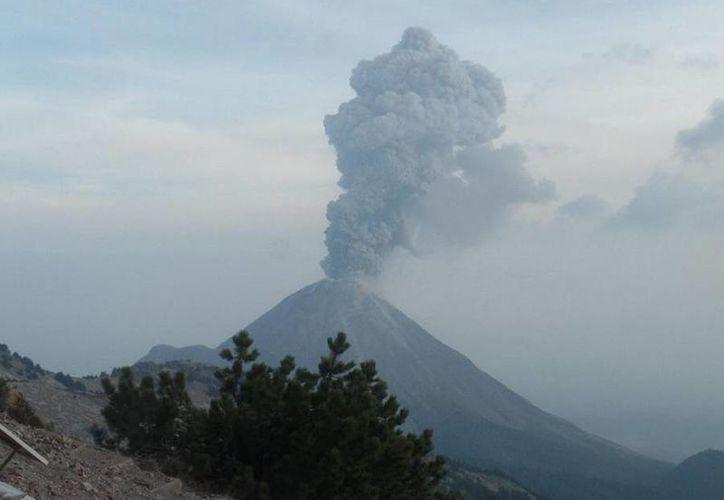 Protección Civil de Jalisco informó sobre la exhalación del volcán de Colima. (twitter.com/PCJalisco)
