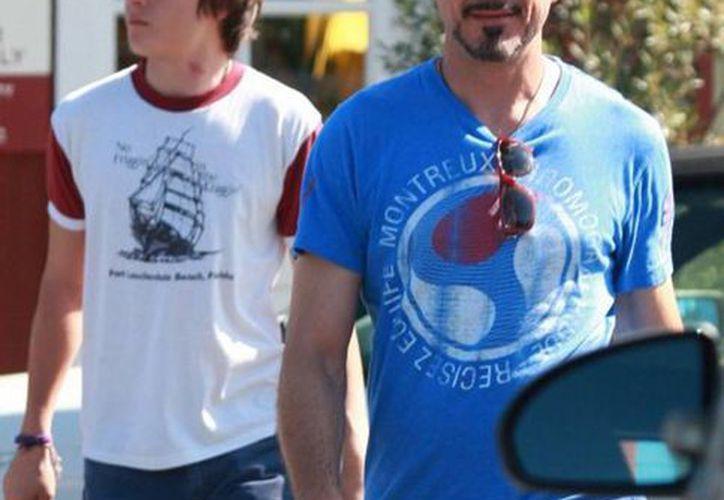 El actor Robert Downey Jr acompañado de su hijo Indio Falconer en EU. (siamzone.com)