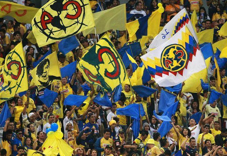 El promedio de asistencia al Azteca en el Clausura 2013 es de 31 mil personas. (Foto: Agencias)