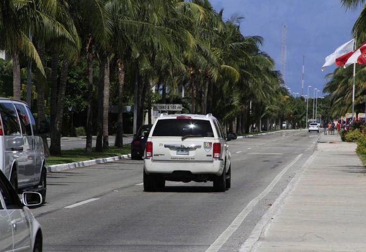 Cinco millones de pesos se destinaron para alumbrado del entronque del bulevar Kukulcán. (Luis Soto/ SIPSE)