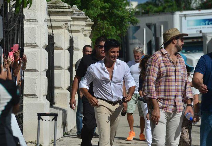 Chayanne grabó el video promocional de Yucatán en sitios emblemáticos de Mérida, como el Paseo de Montejo. (Luis Pérez/SIPSE)