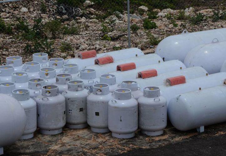Las gaseras que surten el combustible en Cancún señalan que mantendrán su plantilla laboral a pesar de la variación en el precio del gas. (Luis Soto/SIPSE)