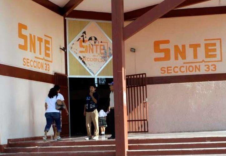 La SNTE distribuye, en formato electrónico, la propuesta de nuevo modelo educativo, a los profesores de Yucatán. (Archivo/SIPSE)