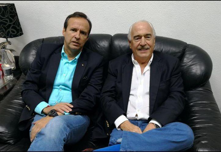 Los exmandatarios fueron retenidos en el aeropuerto internacional José Marti antes de ser enviados de regreso en un vuelo a Bogotá. (Foto: Twitter)