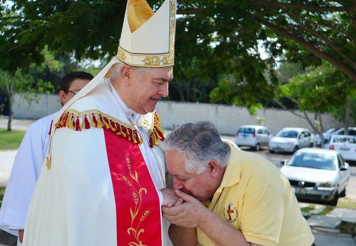 """""""He tenido la bendición de tener gente que trabaja y bien"""", comentó el Arzobispo.Mons. Berlie al agradecer el respaldo de sus colaboradores. (Milenio Novedades)"""