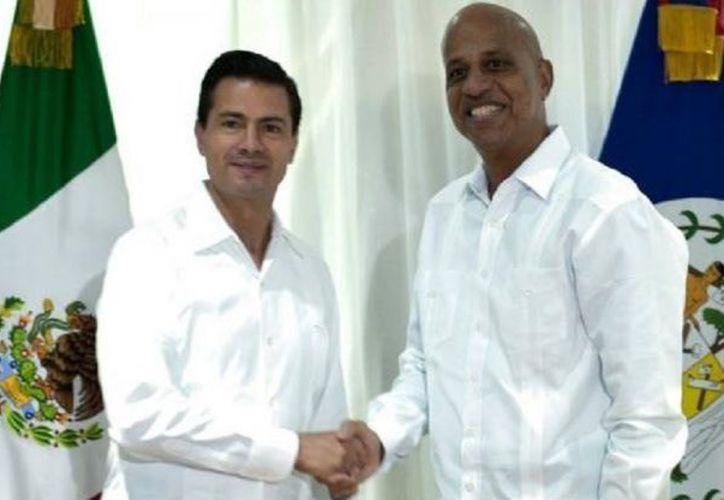 El presidente Enrique Peña Nieto y el Primer Ministro de Belice, Dean Barrow en reunión privada. (Foto: El Debate)
