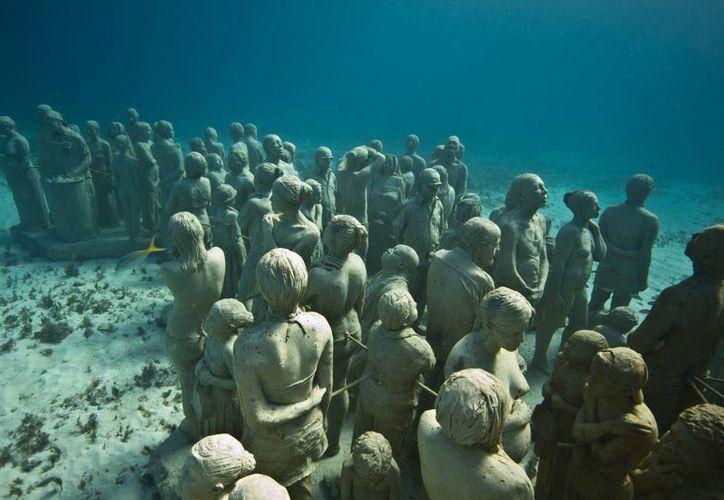 Los buzos y turistas deben orientar las actividades hacia el museo subacuático. (Tomás Álvarez/SIPSE)