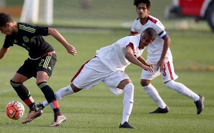 Paolo Medina (foto) y Edwin Lara, los dos mexicanos que The Guardian metió en su lista de promesas del futbol mundial. (theguardian.com)