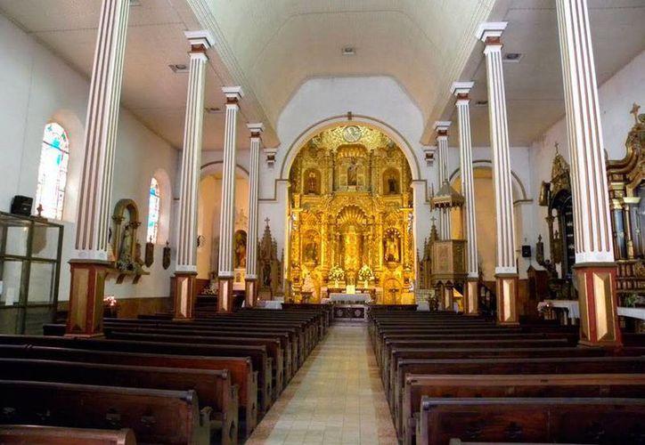 El pirata Henry Morgan llegó a la iglesia San José, en Panamá, en busca de oro, pero nunca lo encontró;  él padre le pidió que donara para una buena causa, y el pirata concedió. (panoramio.com)