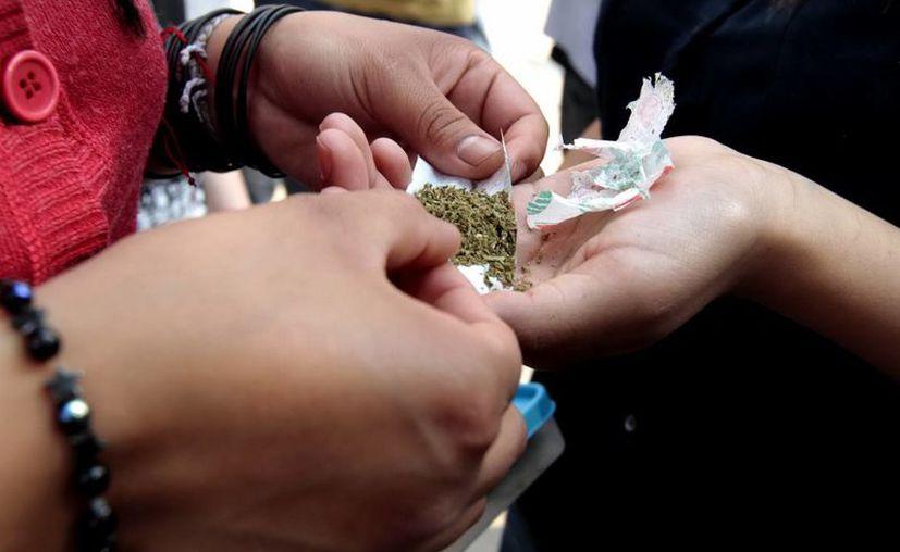 El Conal indicó que legalizar la marihuana es en realidad abrir la puerta a drogas más fuertes, como la cocaína y la heroína. (Archivo Notimex)