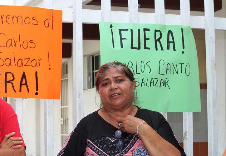 Reclamo de padres de familia a autoridades para que el ingreso a clases sea de forma óptima/ Fotos Octavio Martínez