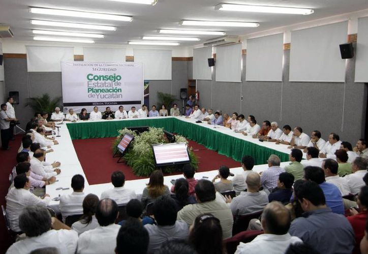 La Comisión está conformada por integrantes de cámaras empresariales,  partidos políticos y asociaciones civiles. (SIPSE)