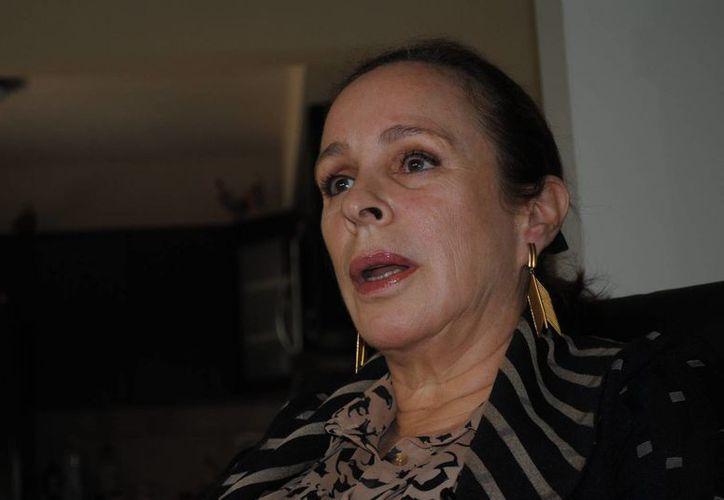 """Foto tomada el pasado 15 de mayo de la hija """"rebelde"""" de Fidel Castro, Alina Fernández Revuelta, durante una entrevista con Efe en Miami, Florida, EU. La madre de Fernández Revuelta, Natalia Revuelta Clews, falleció en La Habana a los 89 años. (EFE/Archivo)"""