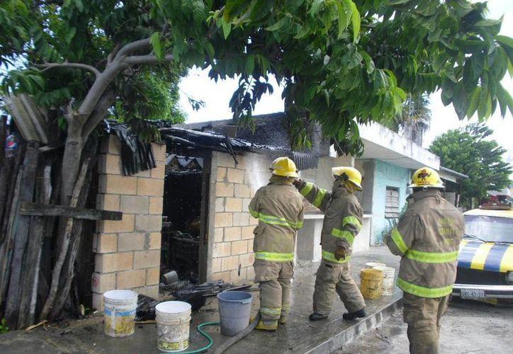Tragahumos lograron sofocar el incendio. (Archivo/SIPSE)