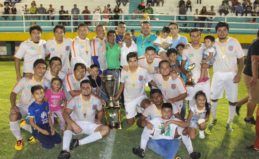 El conjunto electricista resultó ser más fuerte ante una endeble escuadra de Real Sociedad. (Miguel Maldonado/SIPSE)