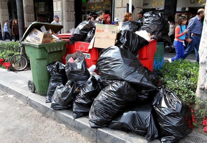 Uno de cada 100 mexicanos consideran que 'no es importante' separar los desechos. (Archivo/Notimex)