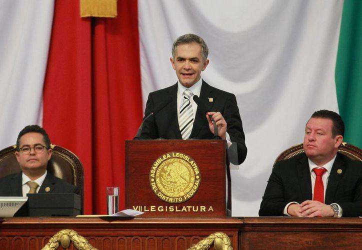Miguel Ángel Mancera, mandatario local, también anunció la salida de Fernando Aboitiz de la oficina de Gestión Urbana. (Archivo/Notimex)